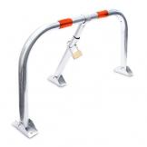 Relaxdays Parkplatzsperre klappbar, Sperrbügel mit Vorhängeschloss & 3 Schlüsseln, Metall, HBT: 45 x 76 x 32 cm, silber - 1